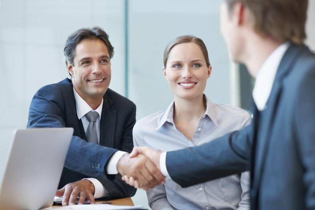 8 perguntas que você deve fazer ao franqueador antes de fechar um negócio